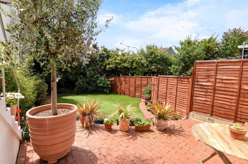 2 Bedrooms Terraced House for sale in Ditchling Road Brighton East Sussex BN1