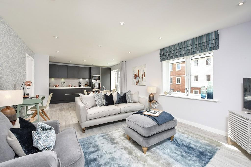 2 Bedrooms Flat for sale in 388 Cedar House, Ryewood, Dunton Green, Sevenoaks, TN14