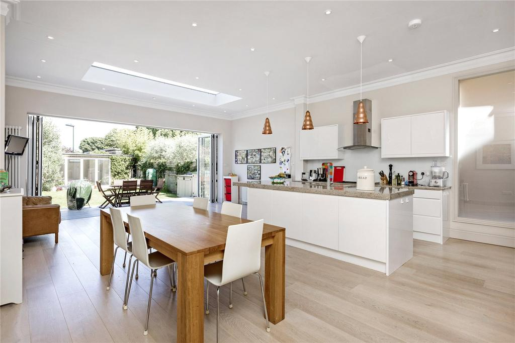 5 Bedrooms Semi Detached House for sale in Westmoreland Road, London, SW13