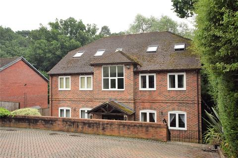 2 bedroom apartment to rent - Bayleaf Court, Stable Close, Burghfield Common, Reading, RG7