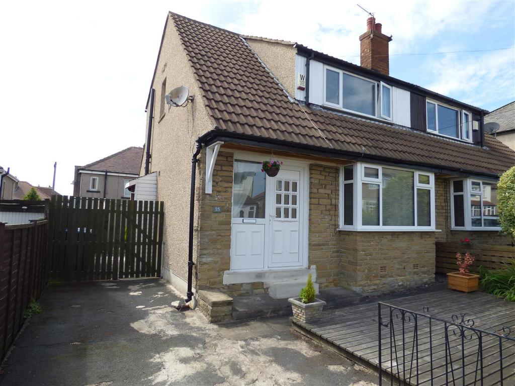 2 Bedrooms Semi Detached House for sale in Claremont Avenue, Shipley, BD18 1PR