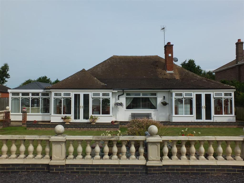 3 Bedrooms Detached Bungalow for sale in Main Road, Gedney Drove End