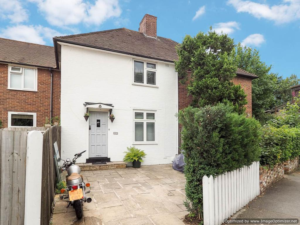 3 Bedrooms Terraced House for sale in Love Lane, Morden SM4