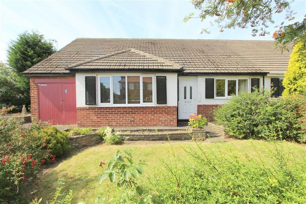 3 Bedrooms Semi Detached Bungalow for sale in Berwick Road, Lytham St Annes, Lancashire