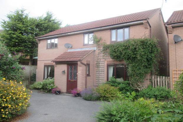 4 Bedrooms Detached House for sale in Hawleys Close, Matlock, DE4