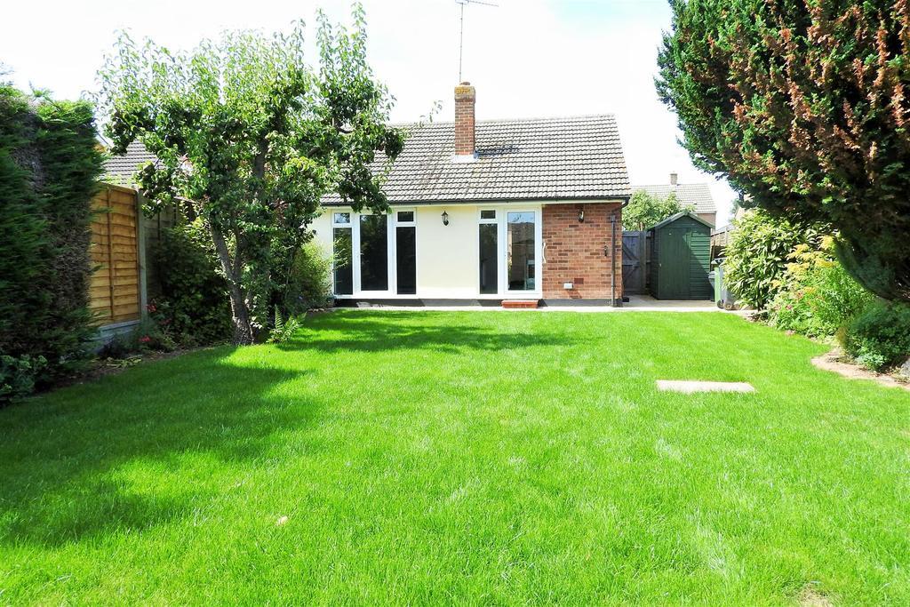 2 Bedrooms Semi Detached Bungalow for sale in Baker Avenue, Hatfield Peverel, Chelmsford