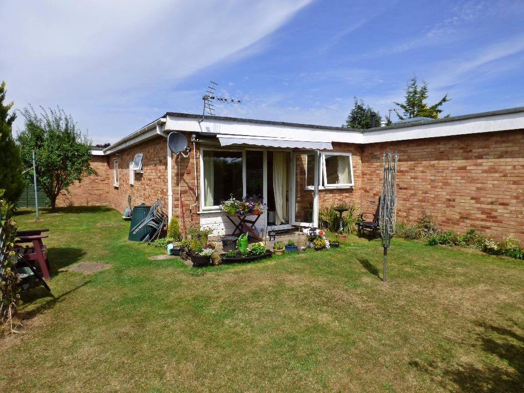 2 Bedrooms Terraced Bungalow for sale in Marden, Hereford