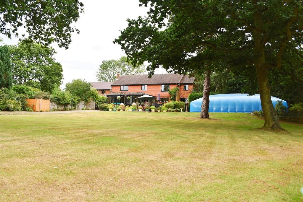 6 Bedrooms Equestrian Facility Character Property for sale in Brickhill Manor Court, Watling Street