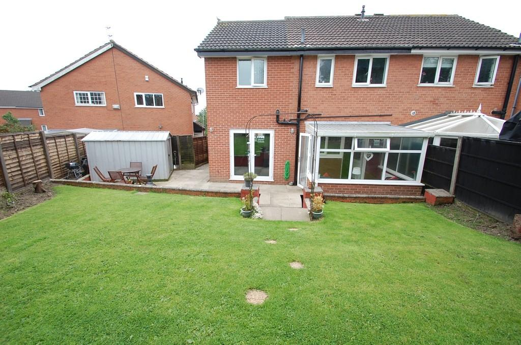 3 Bedrooms Semi Detached House for sale in Stone Hill Drive, Brownhill, Blackburn