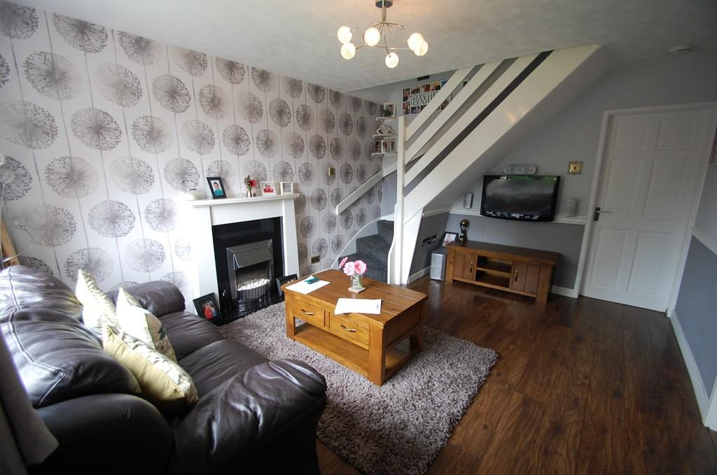 3 Bedrooms Semi Detached House for sale in Stone Hill Drive, Sunnybower, Blackburn
