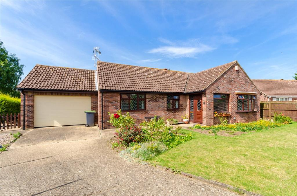 3 Bedrooms Detached Bungalow for sale in Hall Park, Great Hale, Sleaford, Lincolnshire, NG34