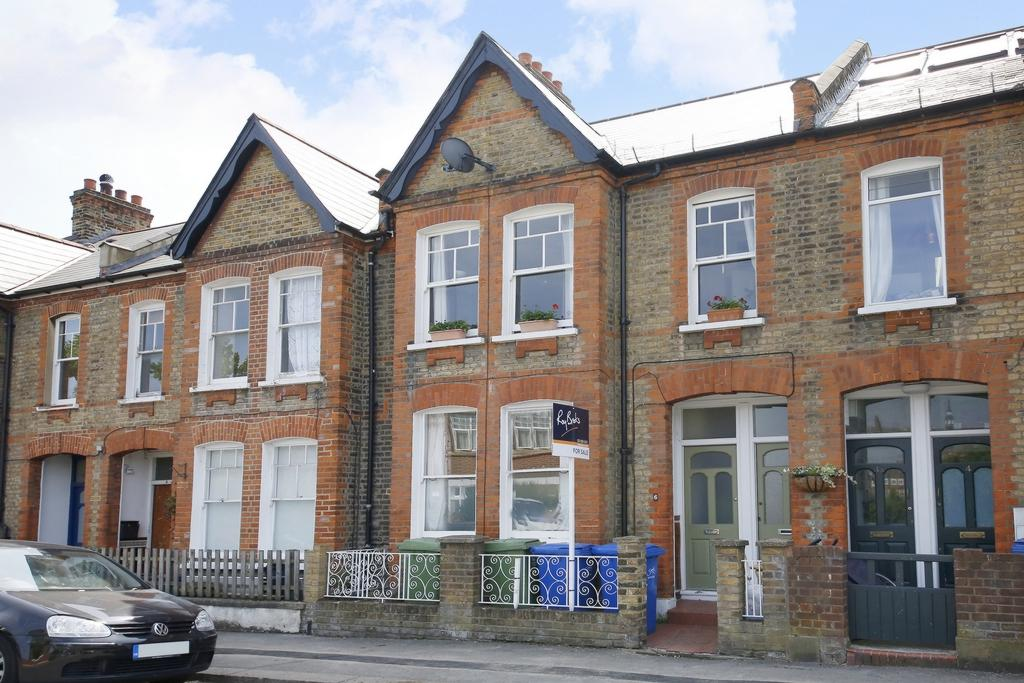 2 Bedrooms Flat for sale in Inverton Road, Nunhead, SE15