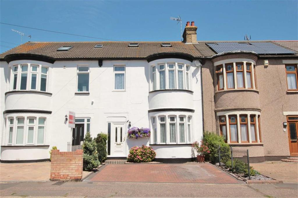 3 Bedrooms Terraced House for sale in Woodgrange Drive, Southend-On-Sea, Essex