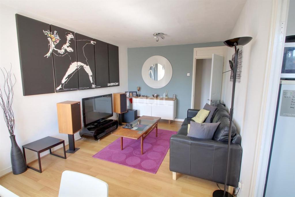 1 Bedroom Flat for sale in Elstree Village