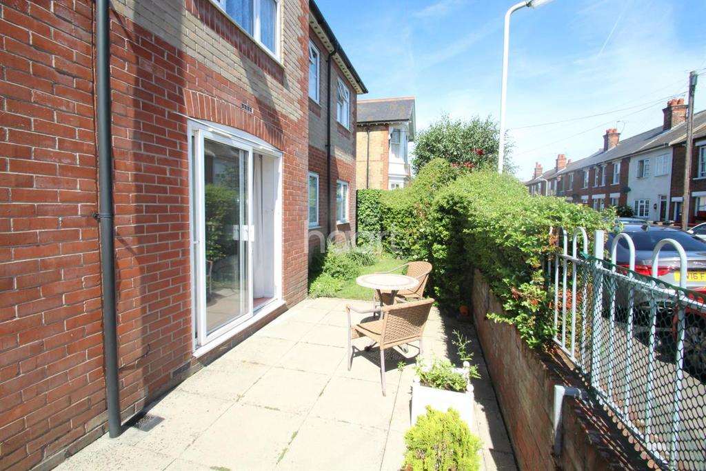 2 Bedrooms Flat for sale in Macmillan Court, Godfreys Mews, Chelmsford