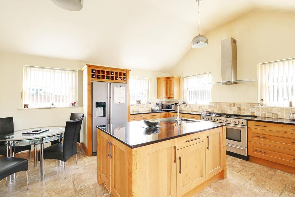 5 Bedrooms Detached House for sale in Archer Street, Bishop Norton, Market Rasen