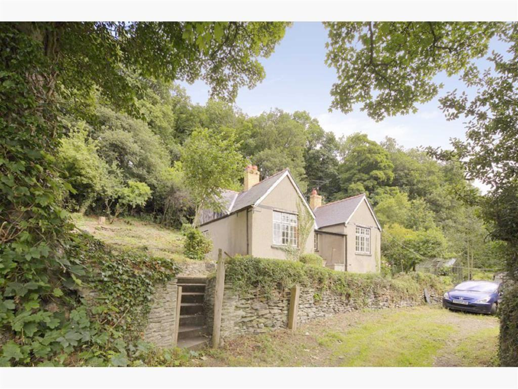 3 Bedrooms Detached Bungalow for sale in Llwyn Mawr, Llangollen