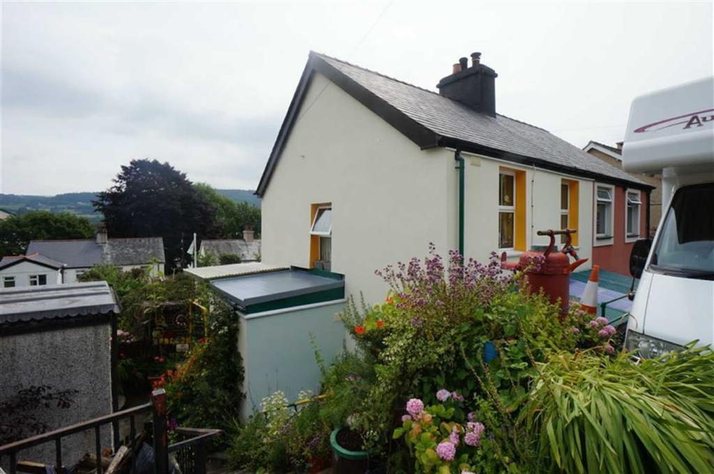 3 Bedrooms Semi Detached House for sale in Hillside Cottages, Dolgarrog, Conwy