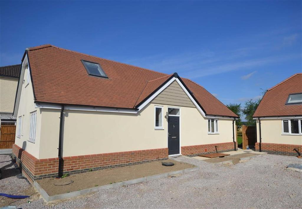 4 Bedrooms Detached House for sale in Mallards Place, Hastingwood, Essex, CM17