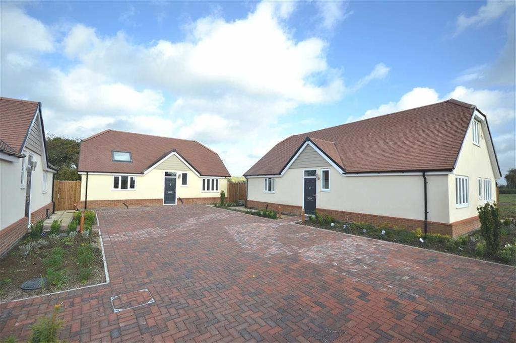 4 Bedrooms Detached House for sale in Hastingwood Road, Hastingwood, Essex, CM17