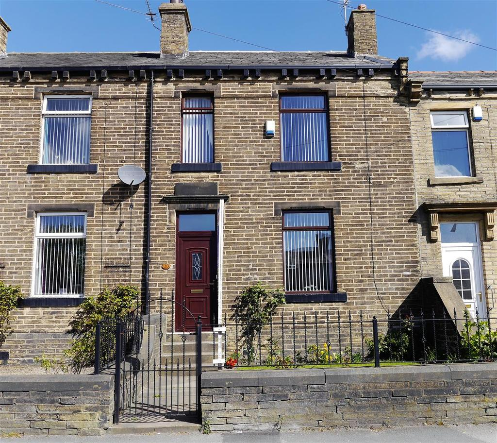 3 Bedrooms Terraced House for sale in Reevy Road, Wibsey, Bradford, BD6 1TQ