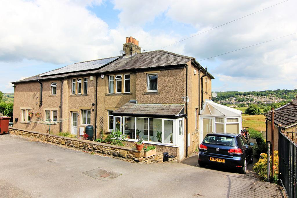 3 Bedrooms Semi Detached House for sale in 7 Bank Road, Cross Hills, Keighley