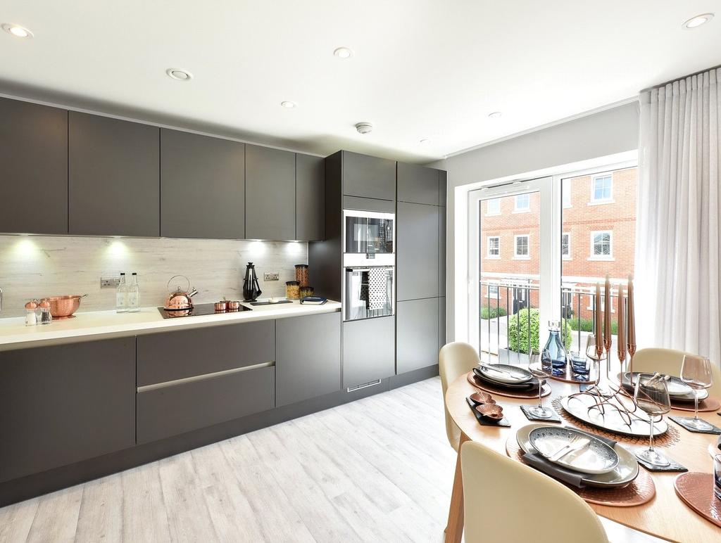 2 Bedrooms Flat for sale in 417 Elm House, Ryewood, Dunton Green, Sevenoaks, TN14