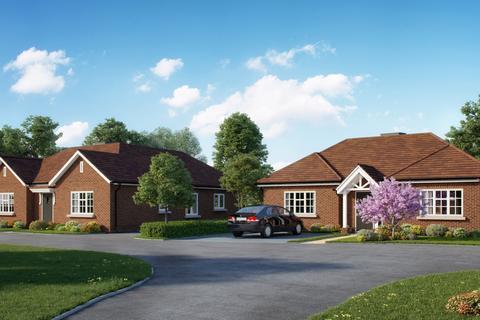 3 bedroom detached bungalow for sale - Bookham