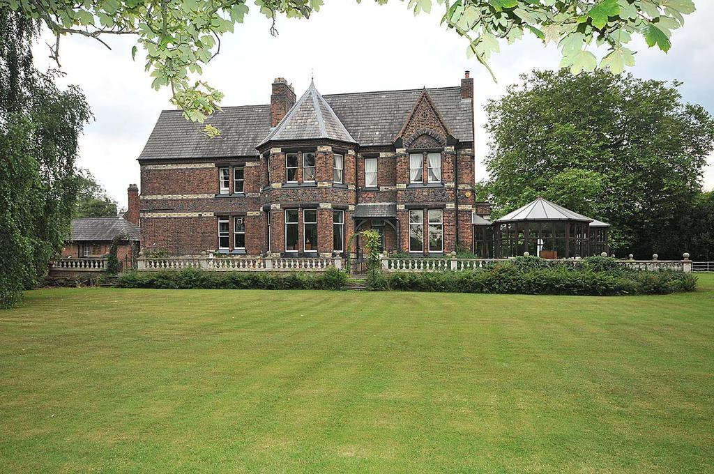 7 Bedrooms Detached House for sale in Thelwall Heys, Cliff Lane, Grappenhall