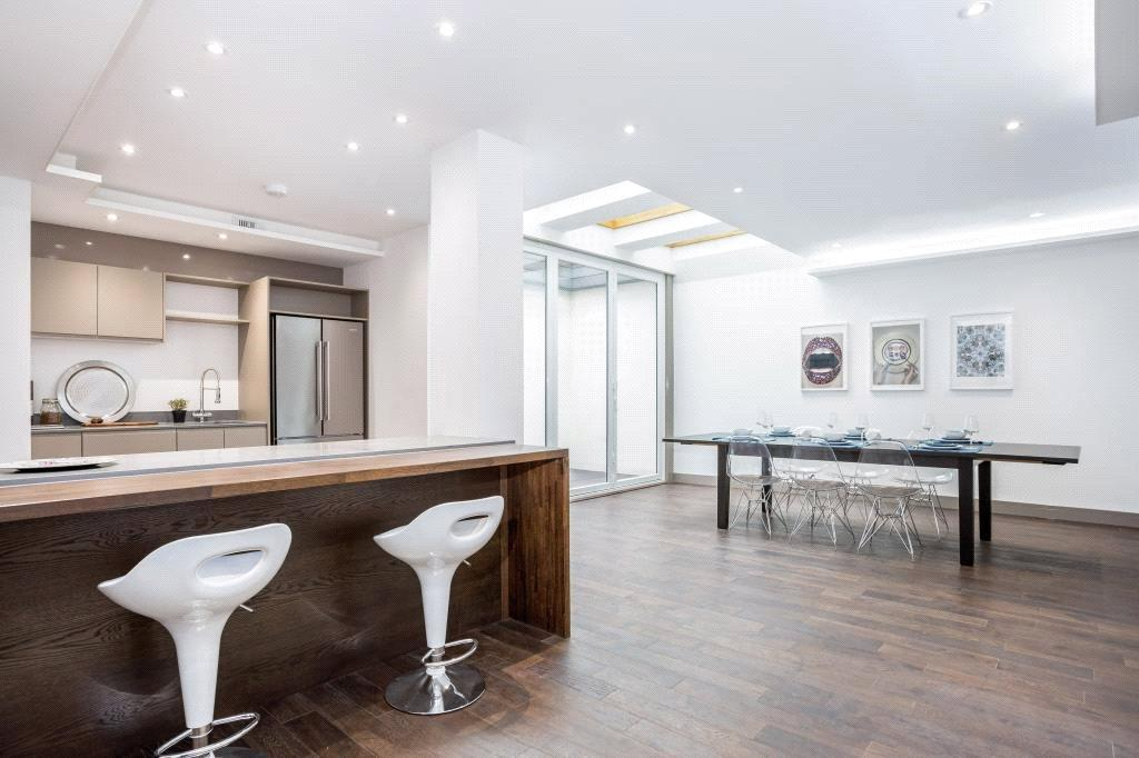 3 Bedrooms Semi Detached House for sale in Westbere Road, West Hampstead, London, NW2