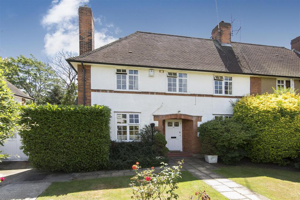 4 Bedrooms Semi Detached House for sale in Northway, NW11