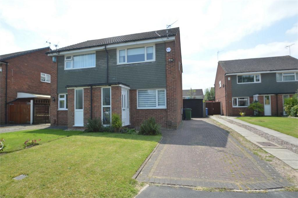 2 Bedrooms Semi Detached House for sale in Westbury Avenue, Sale, Cheshire