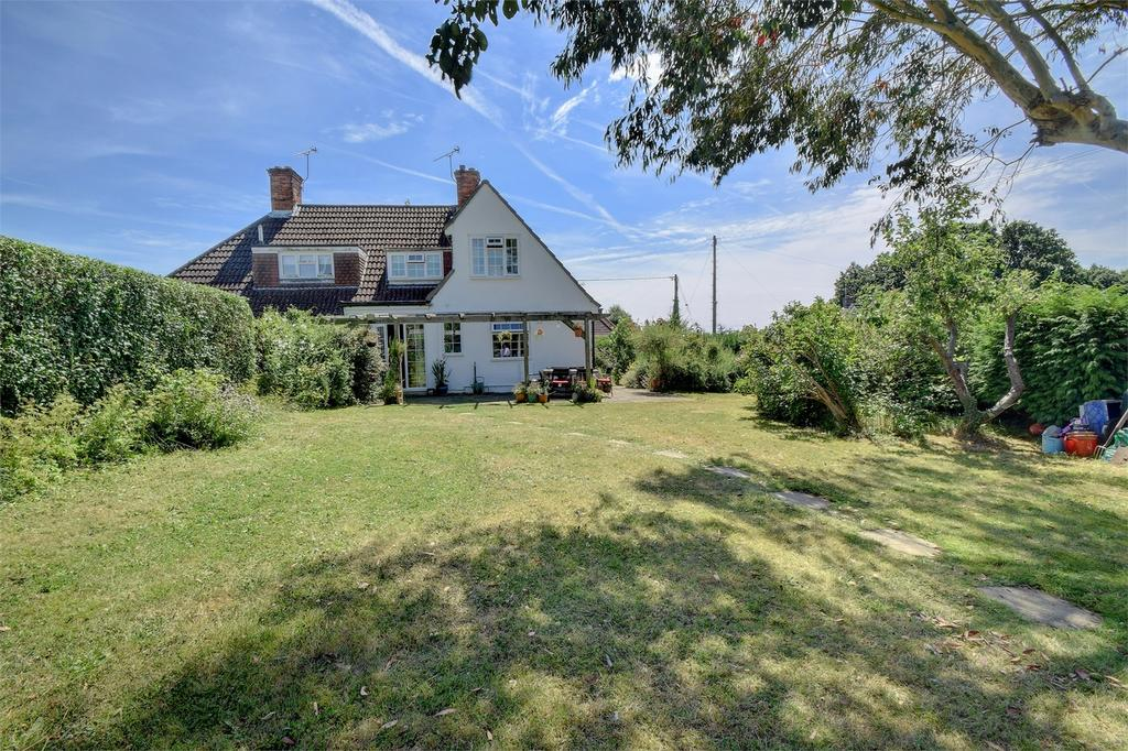 4 Bedrooms Semi Detached House for sale in Tilmore Gardens, PETERSFIELD, Hampshire