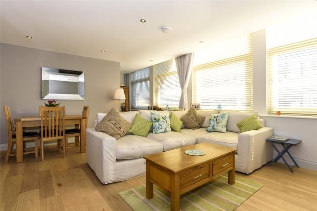 2 Bedrooms Flat for sale in Pride Hill House, 27 Pride Hill, Shrewsbury