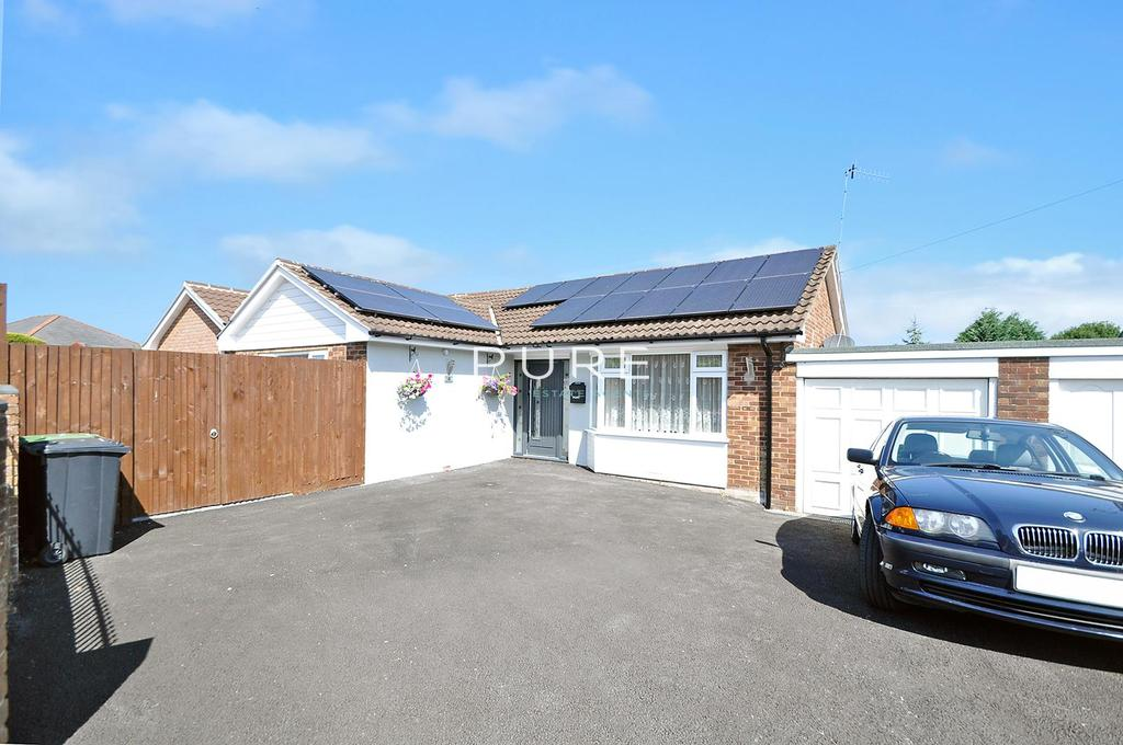 3 Bedrooms Detached Bungalow for sale in Raymond Close, West End, Southampton, Hampshire, SO30 2HF