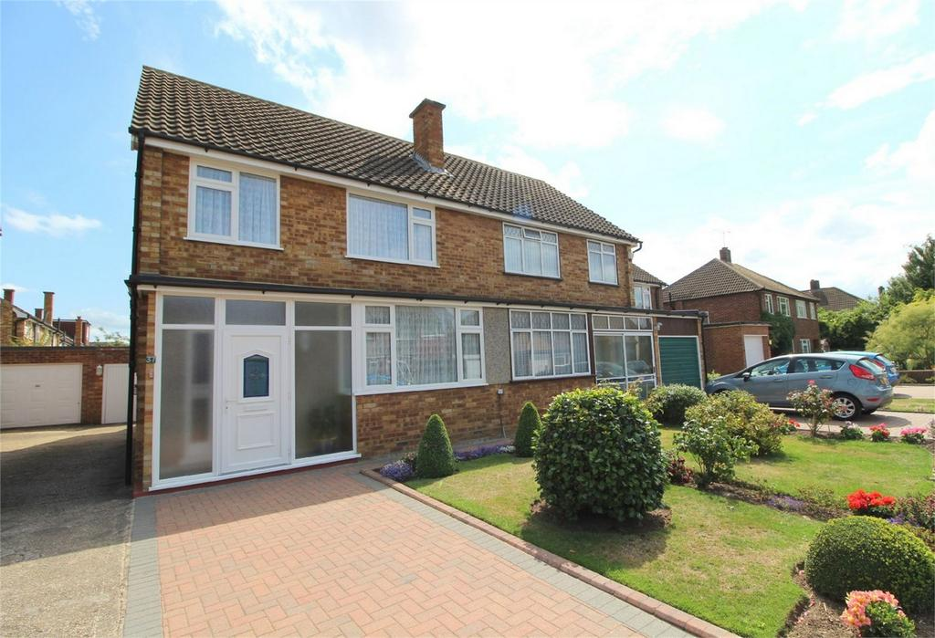 3 Bedrooms Semi Detached House for sale in Lynegrove Avenue, Ashford, Surrey