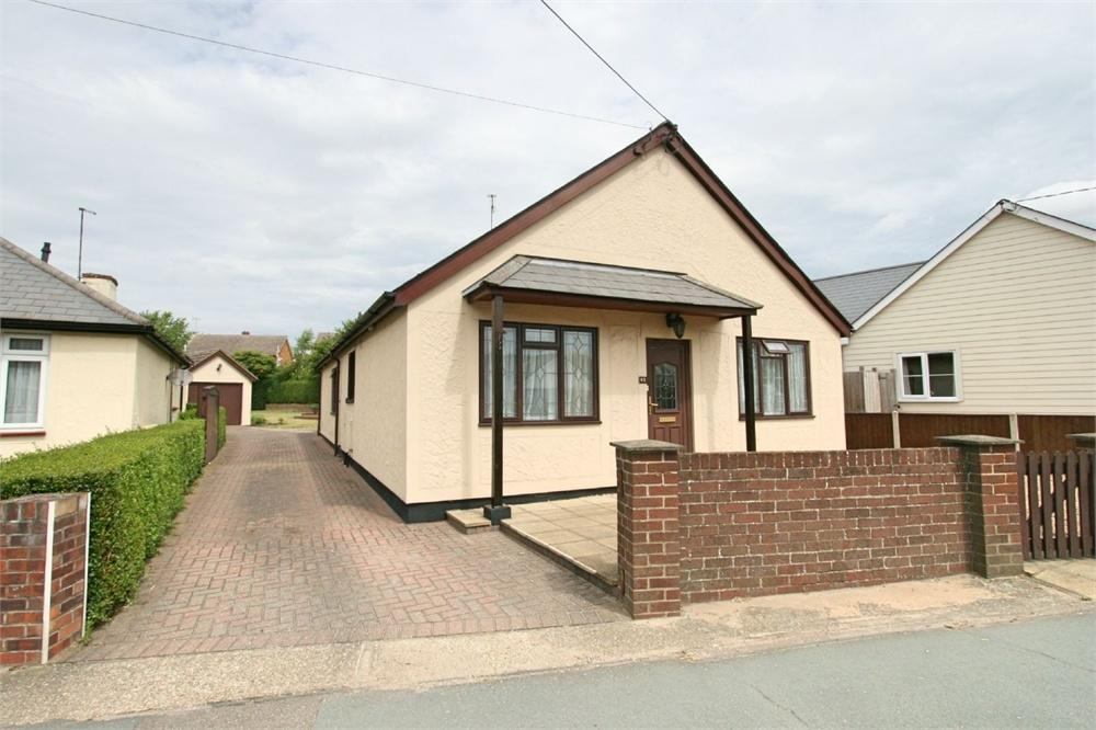 3 Bedrooms Detached Bungalow for sale in Station Road, Tiptree, COLCHESTER, Essex