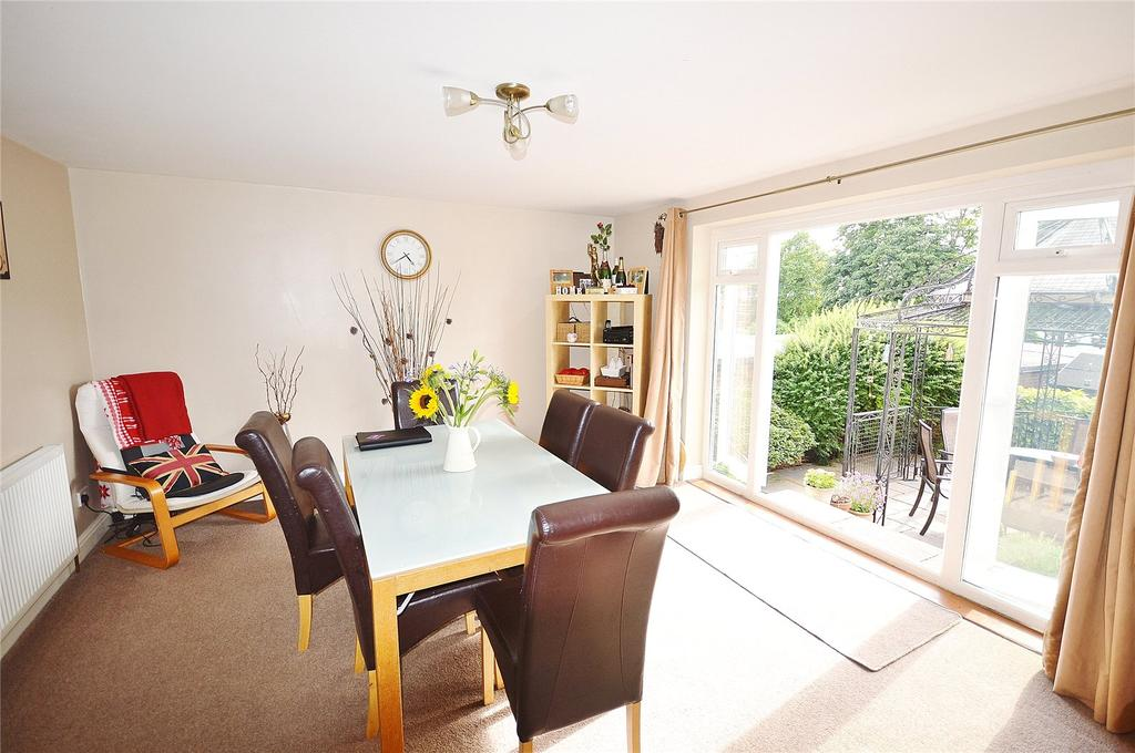 4 Bedrooms Semi Detached House for sale in The Garth, Abbots Langley, Hertfordshire, WD5