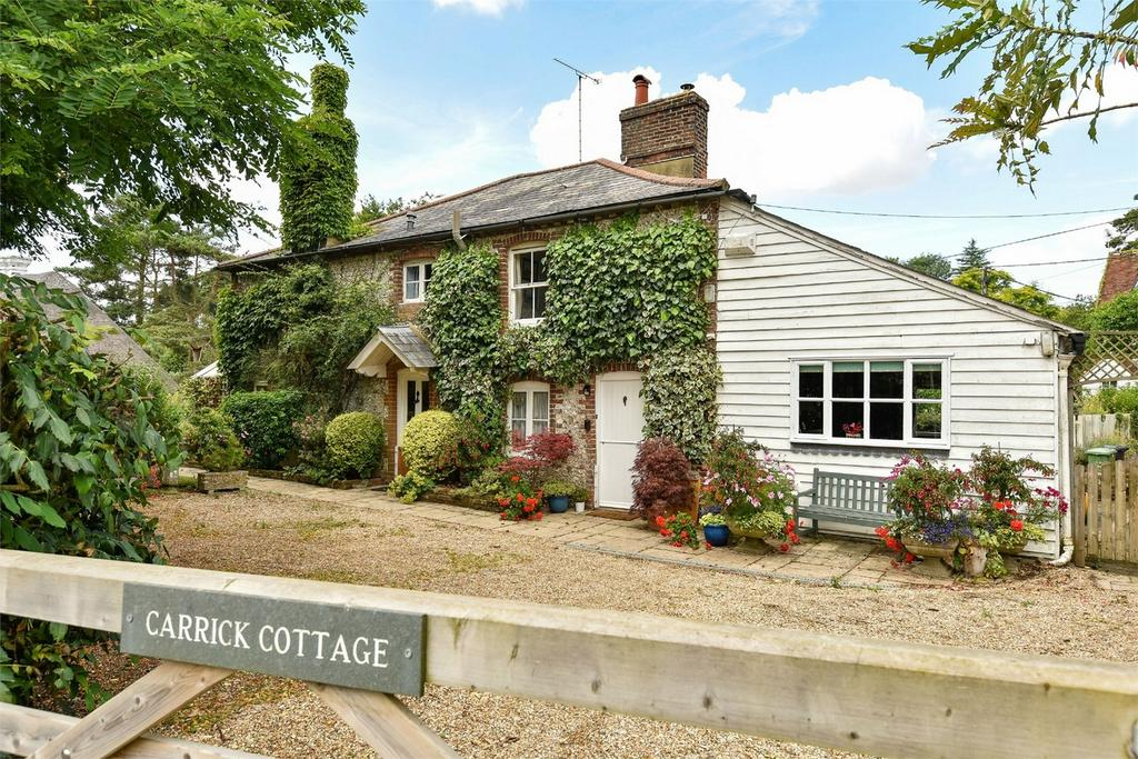4 Bedrooms Detached House for sale in Ropley, Hampshire