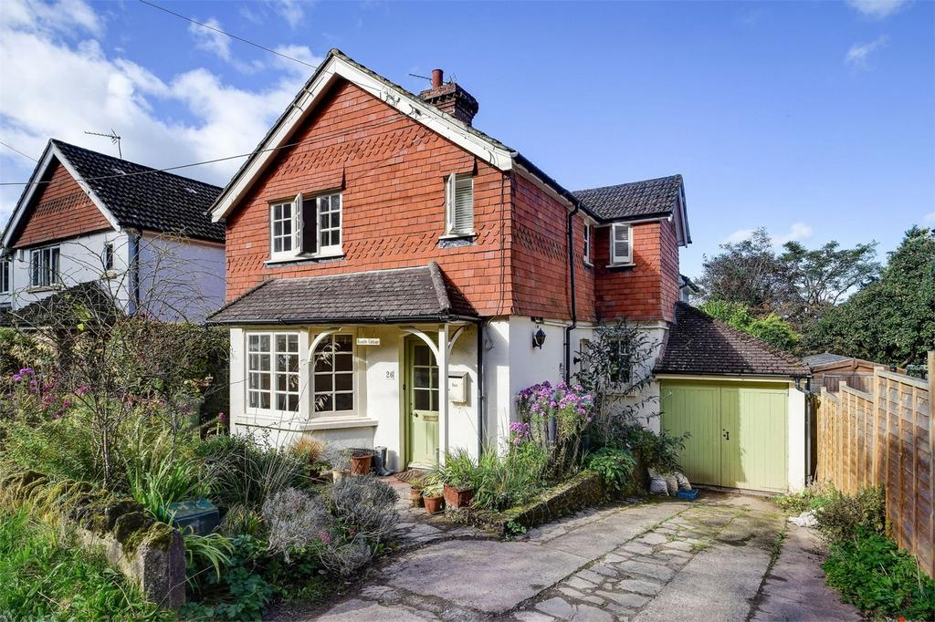 4 Bedrooms Detached House for sale in Seymour Road, Headley Down