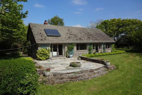3 bedroom bungalow for sale - Kings Nympton, Umberleigh, Devon, EX37