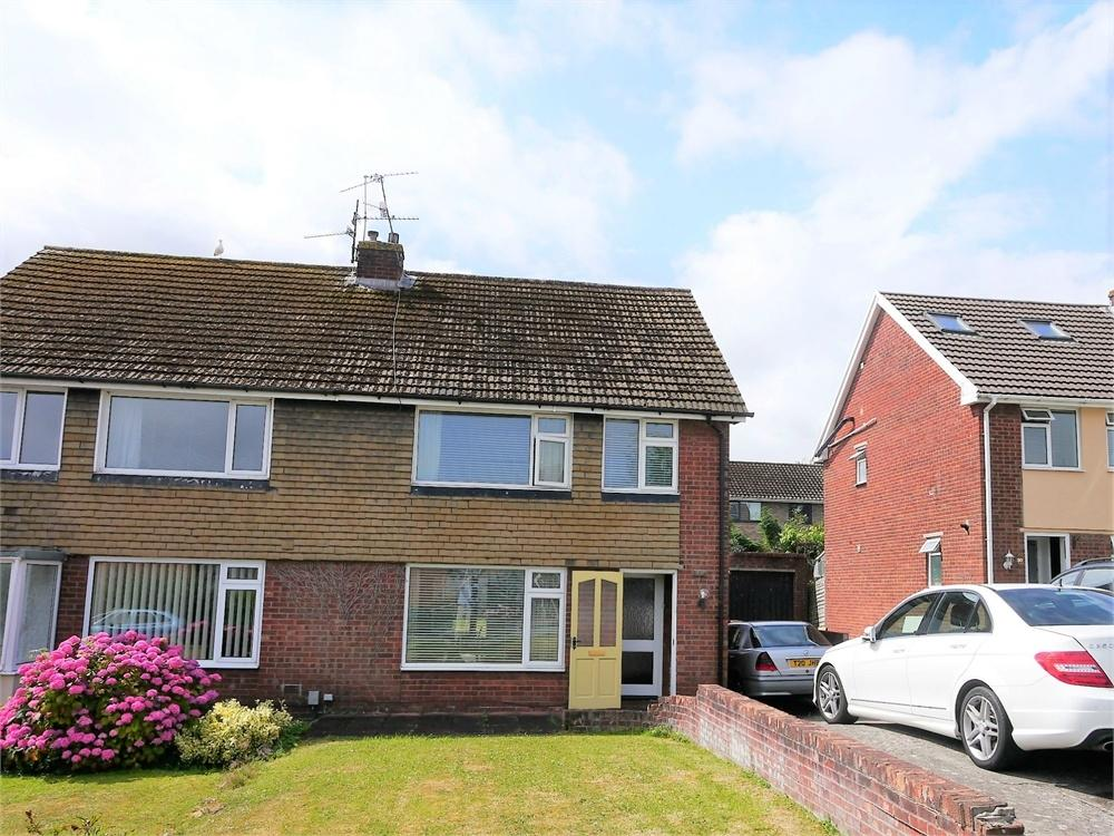 3 Bedrooms Semi Detached House for sale in Uplands Crescent, Llandough