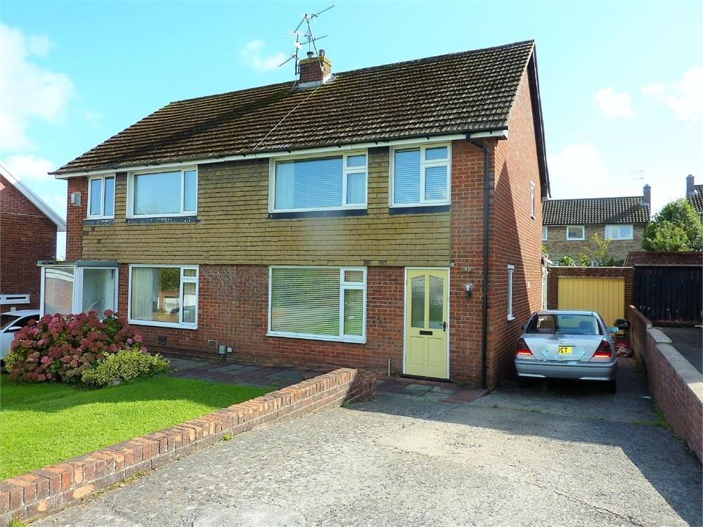 3 Bedrooms Semi Detached House for sale in Uplands Crescent, Llandough