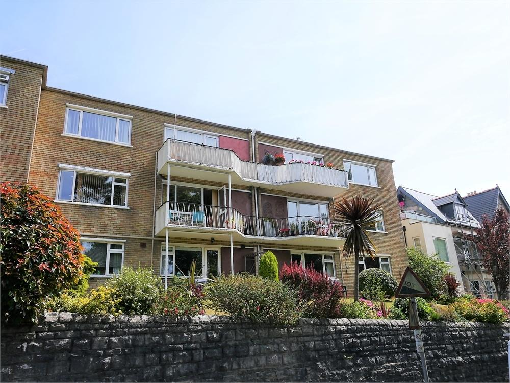 2 Bedrooms Flat for sale in Beach Road, Penarth