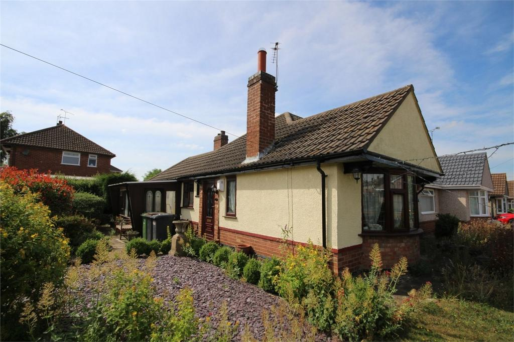 2 Bedrooms Semi Detached Bungalow for sale in Barbridge Road, Bulkington, BEDWORTH, Warwickshire
