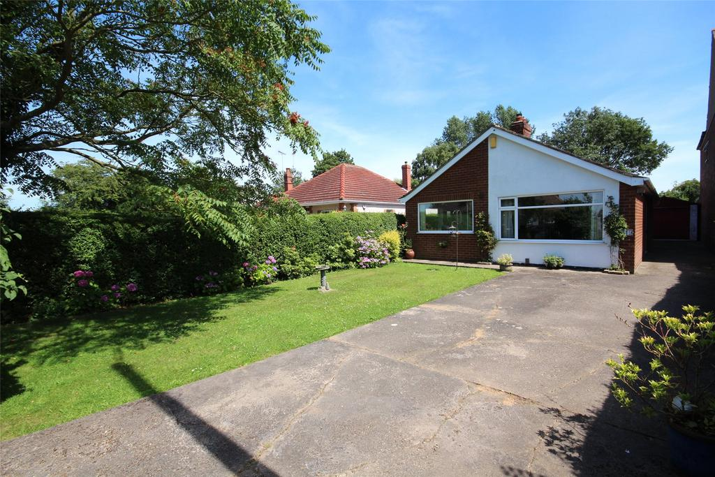 3 Bedrooms Detached Bungalow for sale in Brant Road, Waddington Lowfields, LN5