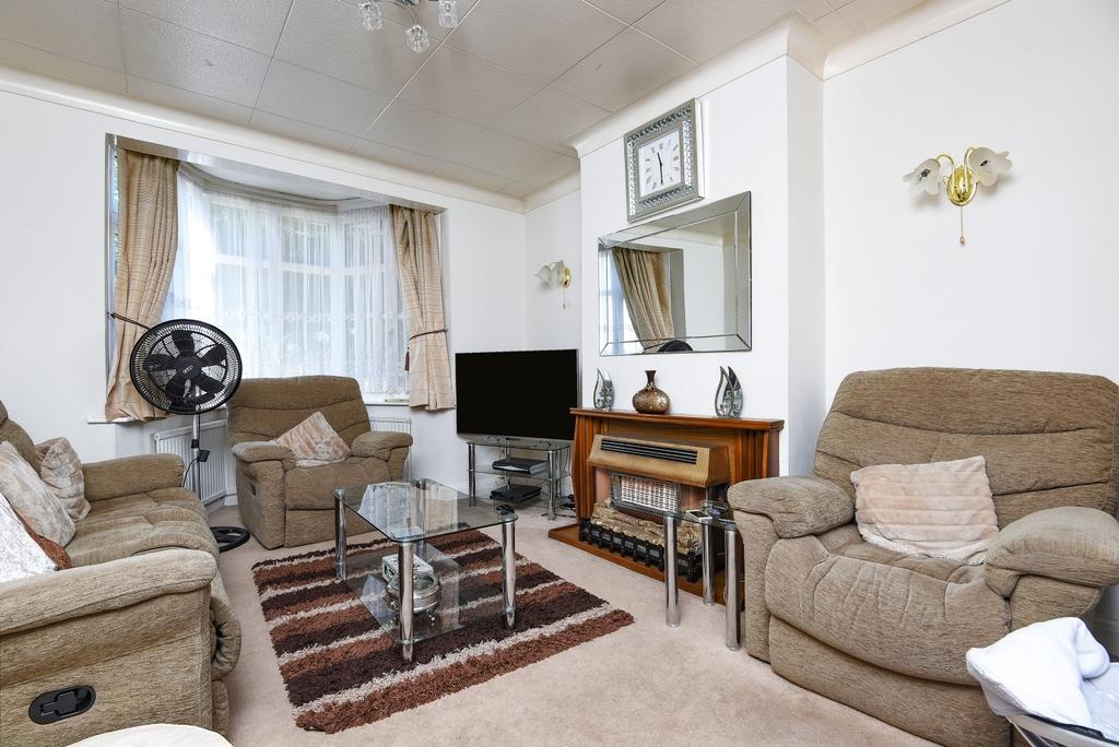 4 Bedrooms Terraced House for sale in Manship Road Mitcham CR4
