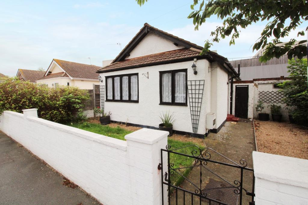 2 Bedrooms Bungalow for sale in St. Johns Road Welling DA16