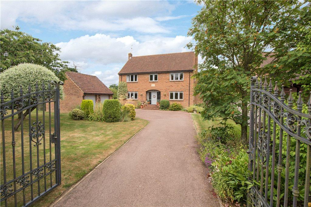 4 Bedrooms Detached House for sale in Shay Lane, Upper Dean, Huntingdon, Bedfordshire