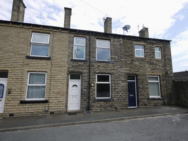 3 Bedrooms Terraced House for sale in Kimberley Street Brighouse